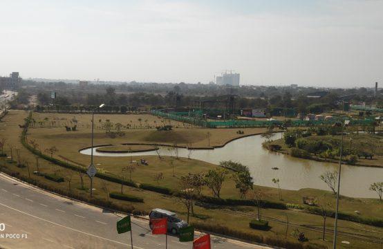 Gaur Yamuna City Plots- 3rd Parkview
